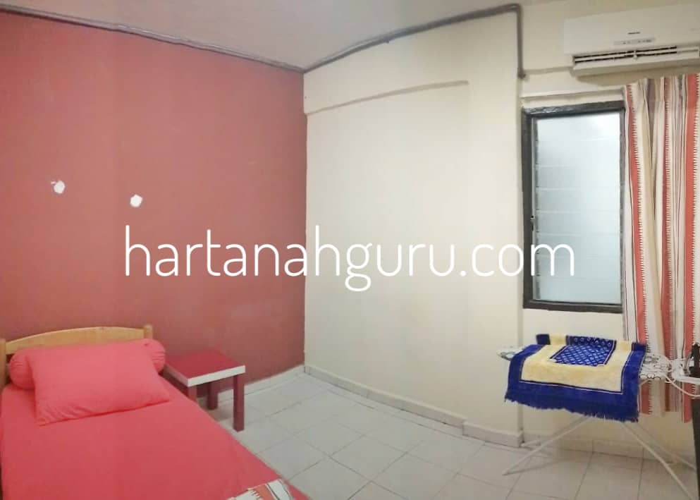 q qasidah apartment 7